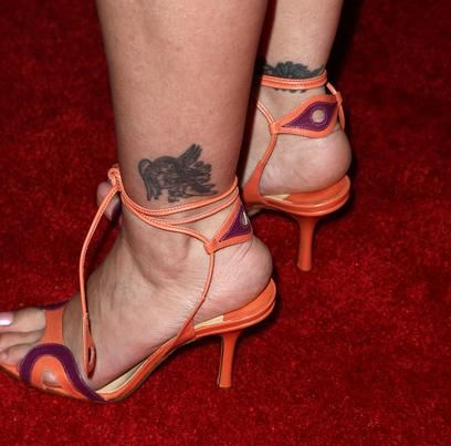 Alyssa Milano Tattoos Pictures Images Pics Photos Of Her Heels
