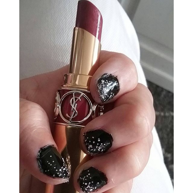LUXUYRY Style&ENJOY LIFE. 1. My YSL Design. MySTYLE. Lovely&PRETTY. This Week NAIL Colour, U? #nails @yslbeauty @ysl #beauty #kynnet ❤☺