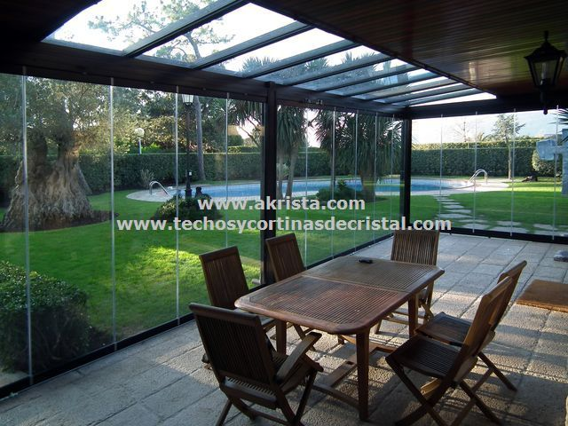 Cenadores con cortinas de cristal akrista decora tu for Cerramientos de cristal para terrazas