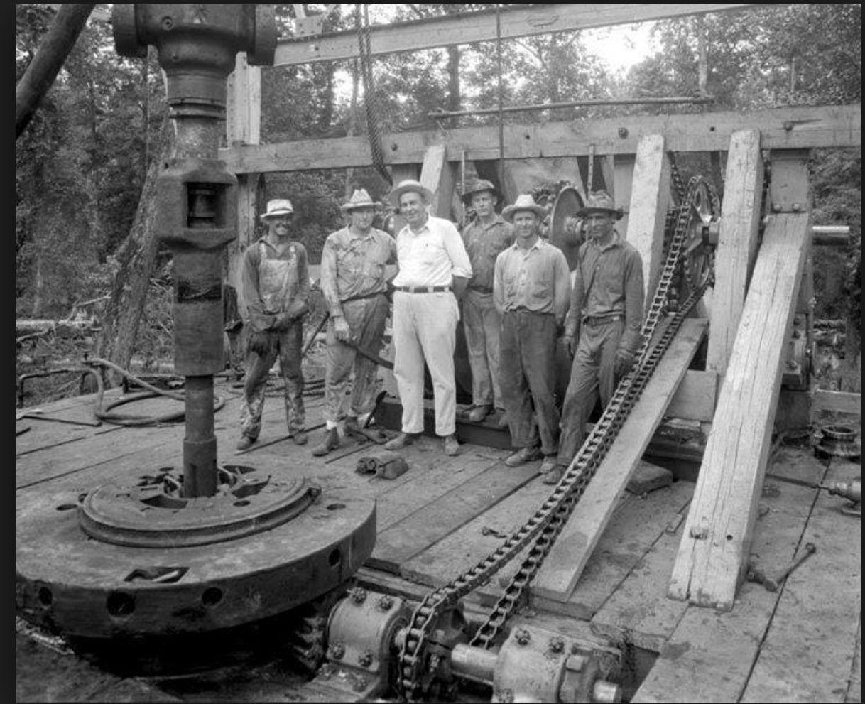 Old School Oilfield life, Oil platform, Oil rig