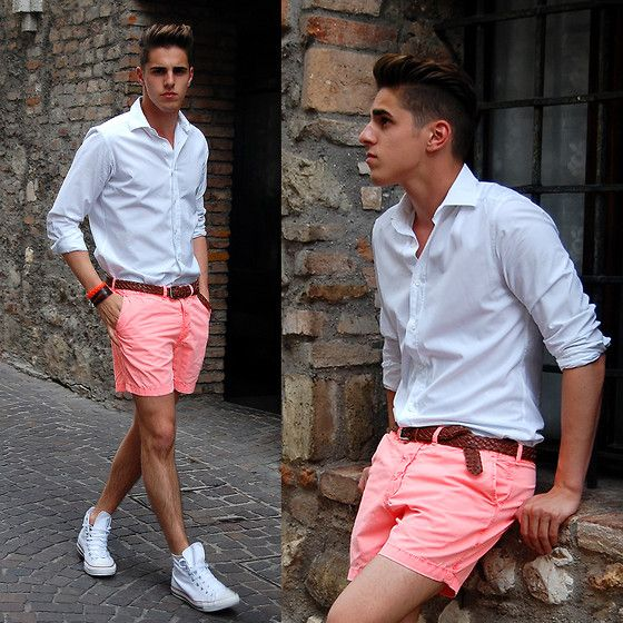 Love, love, LOVE the white converse with this outfit!