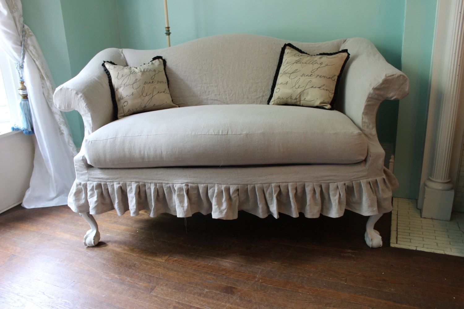 Painting Of Have Queen Anne Couch For Luxurious Detail In Your House