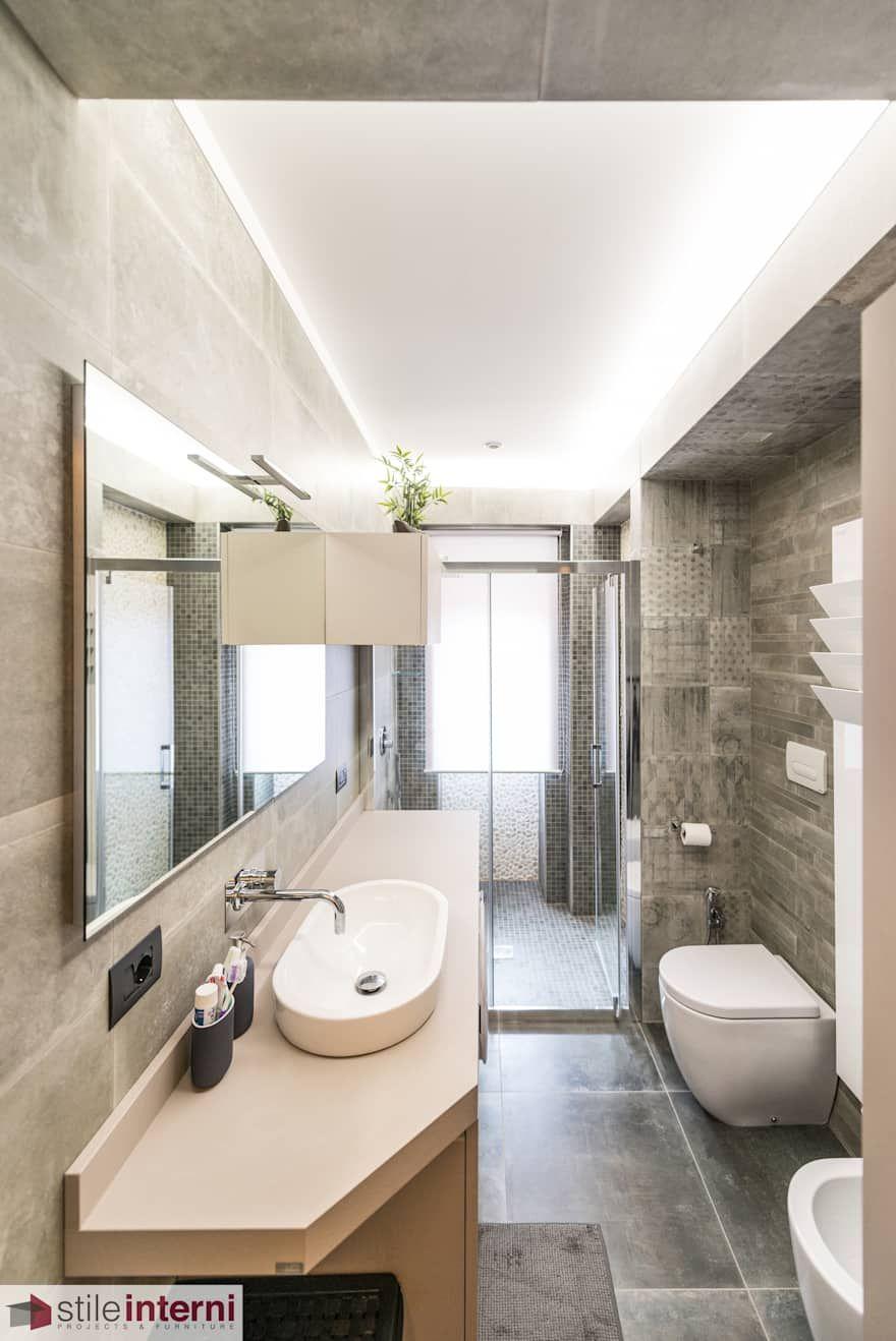 Bagno Moderno Interior Design Idee E Foto L Homify Bathroom Mirror Round Mirror Bathroom Lighted Bathroom Mirror