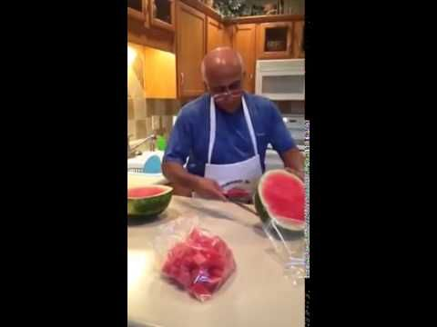 This Clever Man Reveals One Brilliant Technique To Cut And Serve Watermelon - The Meta Picture