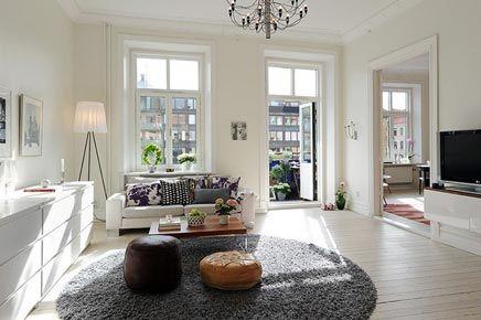 Witte woonkamer met rond vloerkleed | Pinterest