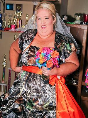 Honey Boo S Mama June Sugar Bear Exchange Vows Celebrate With Bbq