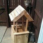 Well Flower Planter From Old Wooden Pallets • 1001 Pallets