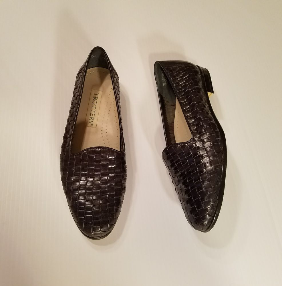 c4a5f0e038e Trotters Womens Liz Black Leather Woven Slip On Loafers Flats Size 7.5M  Brazil  Trotters  Loafers  WeartoWork