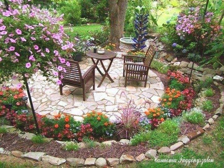 Jard n plantas decoraci n sillas flores jardines - Terraza y jardin ...