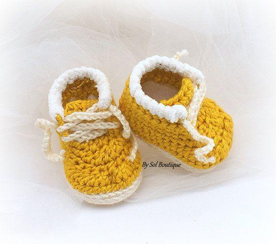 Baby booties boots crochet handmade hand knit mauve warm 3-6months gift
