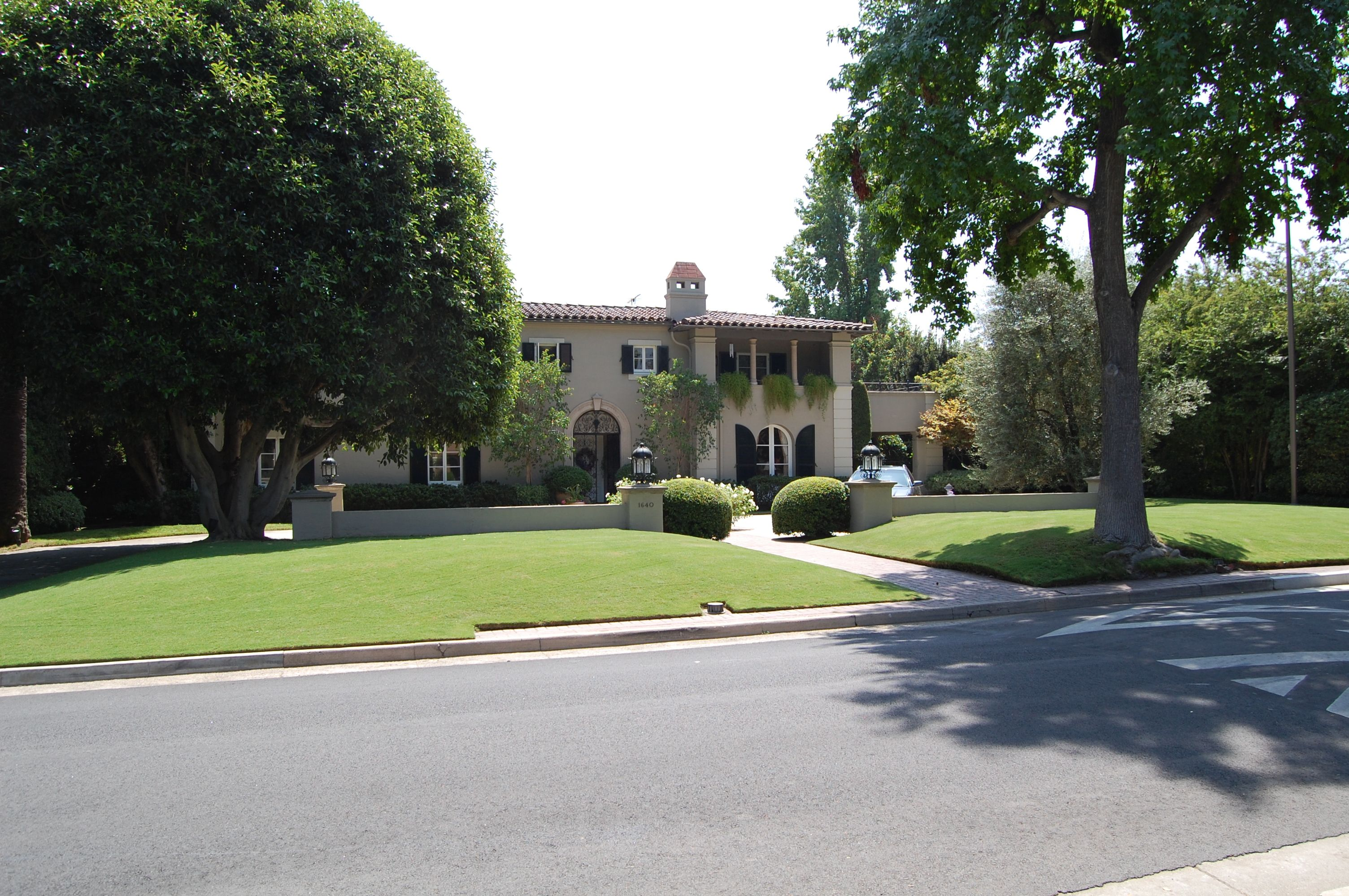 Pasadena, CA House from Brothers & Sisters TV Show.