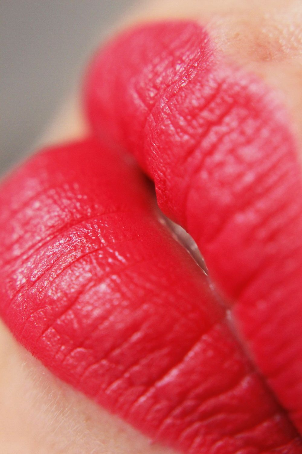 Catrice Matte HibisKiss-Proof swatch