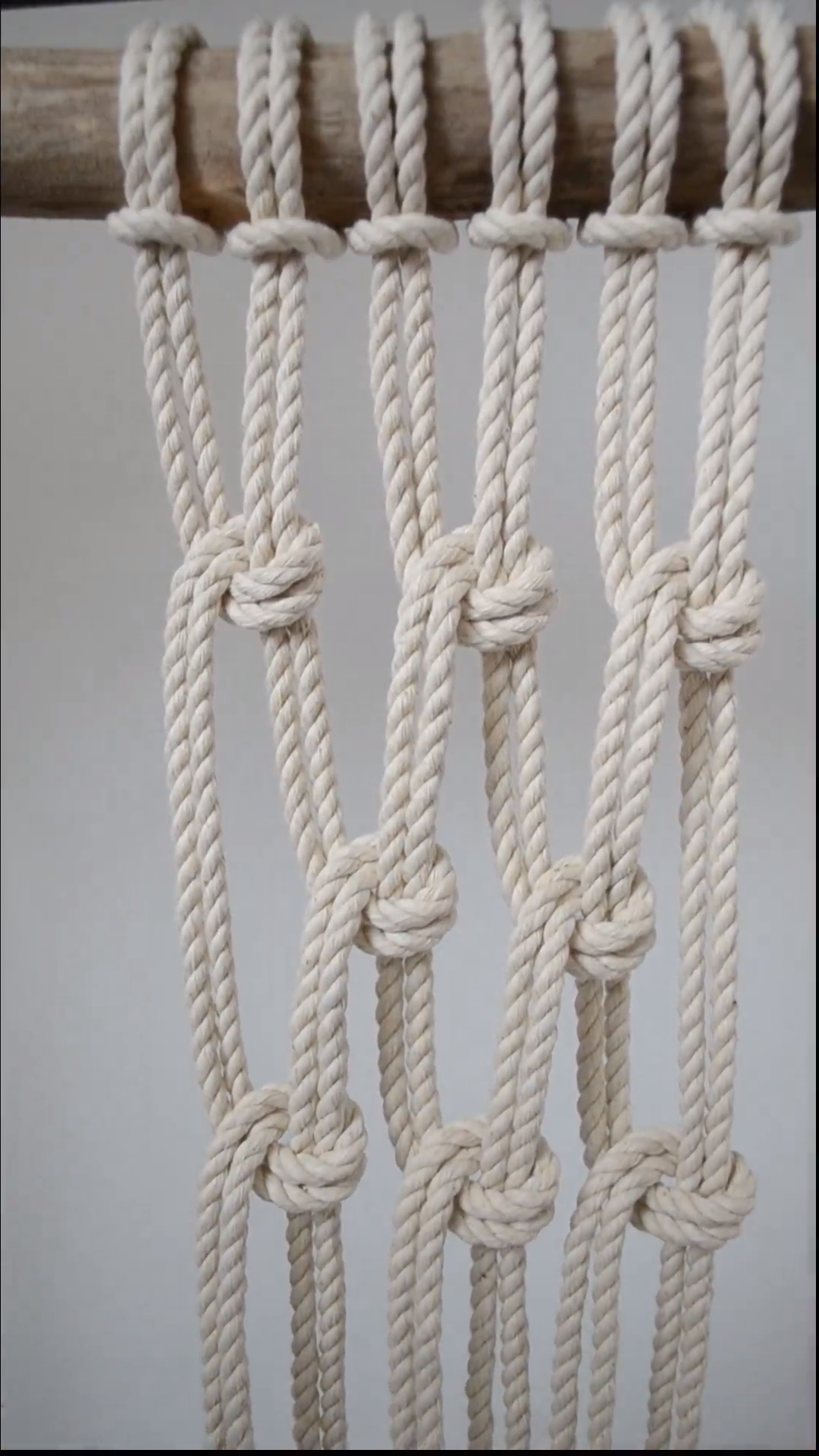Photo of Macrame Knots: The Half Hitch
