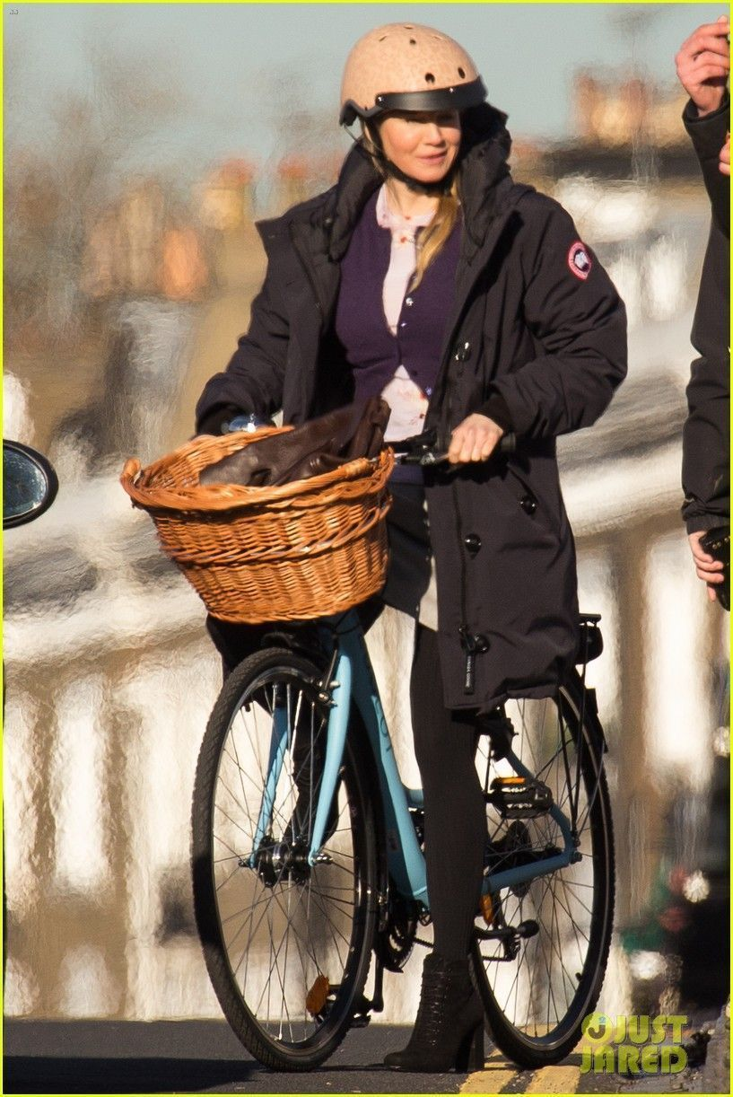 Renee Zellweger holds on to her helmet while filming a scene for Bridget Jones's Baby in London, England on Sunday (November 22, 2015) #bridgetjonesdiaryandbaby Renee Zellweger holds on to her helmet while filming a scene for Bridget Jones's Baby in London, England on Sunday (November 22, 2015) #bridgetjonesdiaryandbaby Renee Zellweger holds on to her helmet while filming a scene for Bridget Jones's Baby in London, England on Sunday (November 22, 2015) #bridgetjonesdiaryandbaby Renee Zellw #bridgetjonesdiaryandbaby