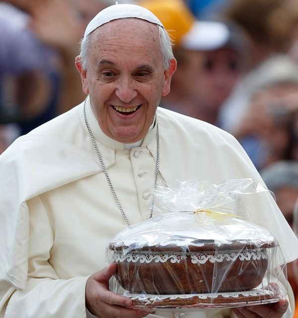 Pope: Don't leave home without it; take Gospel on the go, to the world