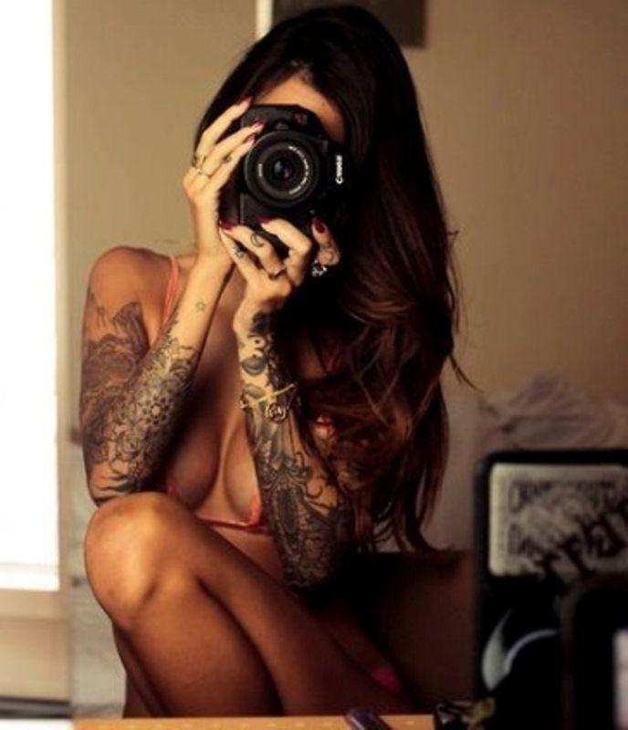 Девушки с татуировками на аву