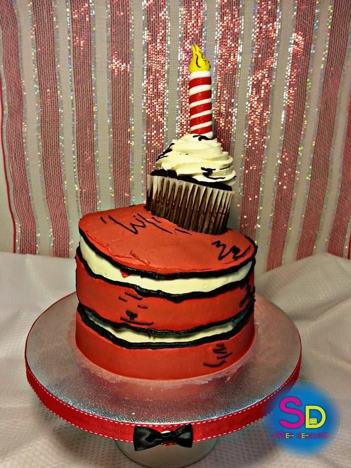 cat in the hat Dr Seuss buttercream birthday cake candle cupcake