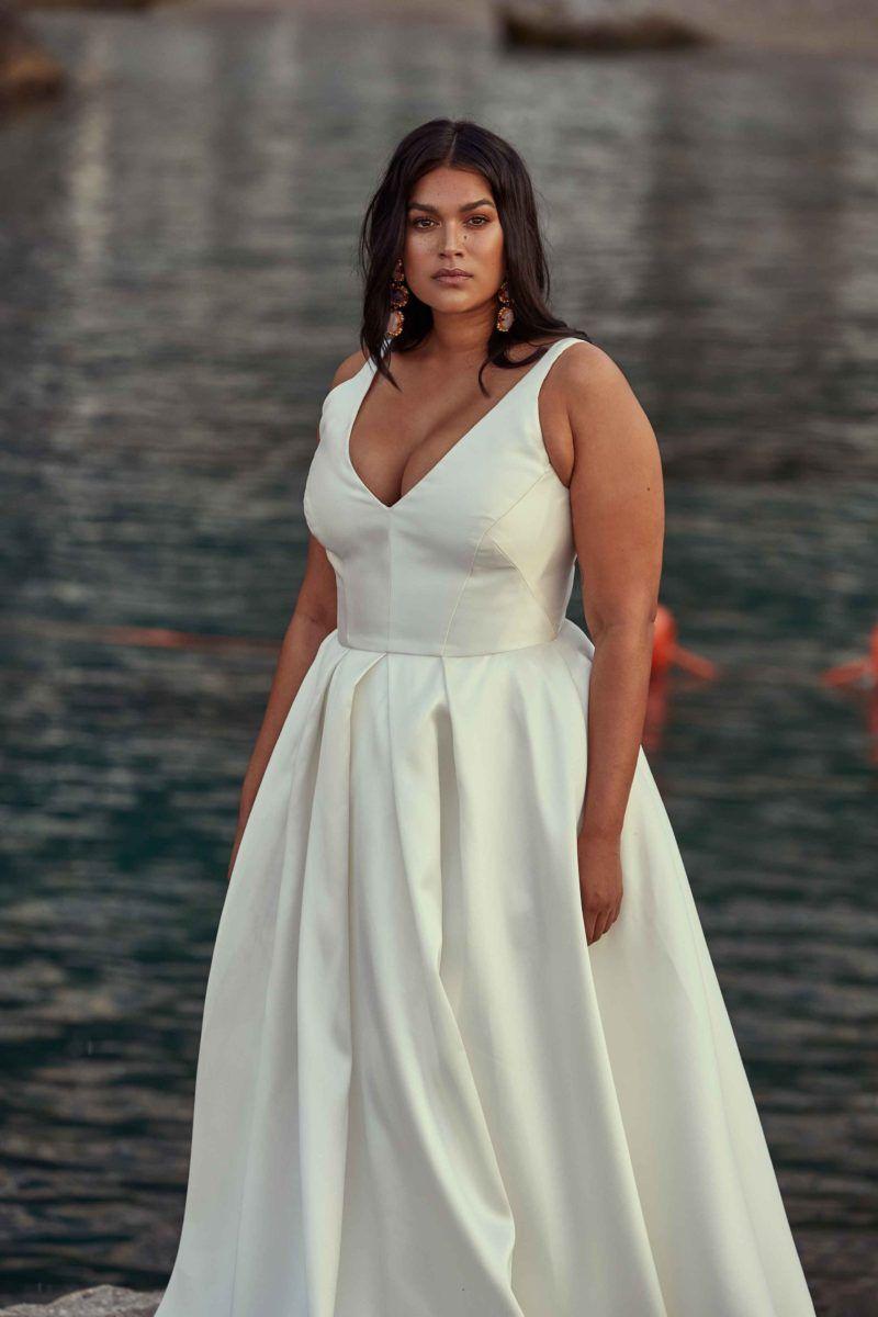 PLUS SIZE WEDDING DRESS OF THE WEEK | Wedding dresses plus ...