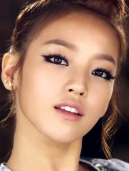 goohara. edgy eye makeup & lashes.