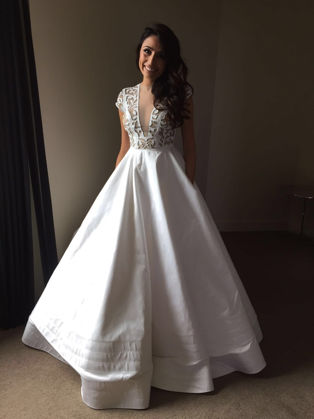 wedding dress on sale Alex Perry Custom Made Second Hand Wedding Dress on Sale 40 Off