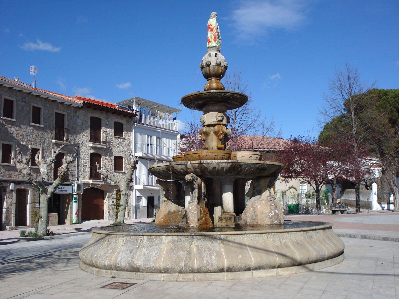 Piornal. Plaza de las Eras.   Extremadura, Badajoz, España