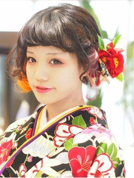 日本的な髪型なので、当然、振袖などの和服にもピッタリです☆ ボブスタイルの人は、ダウンスタイルもアップも、 アレンジ次第でかわいくなったり・・・