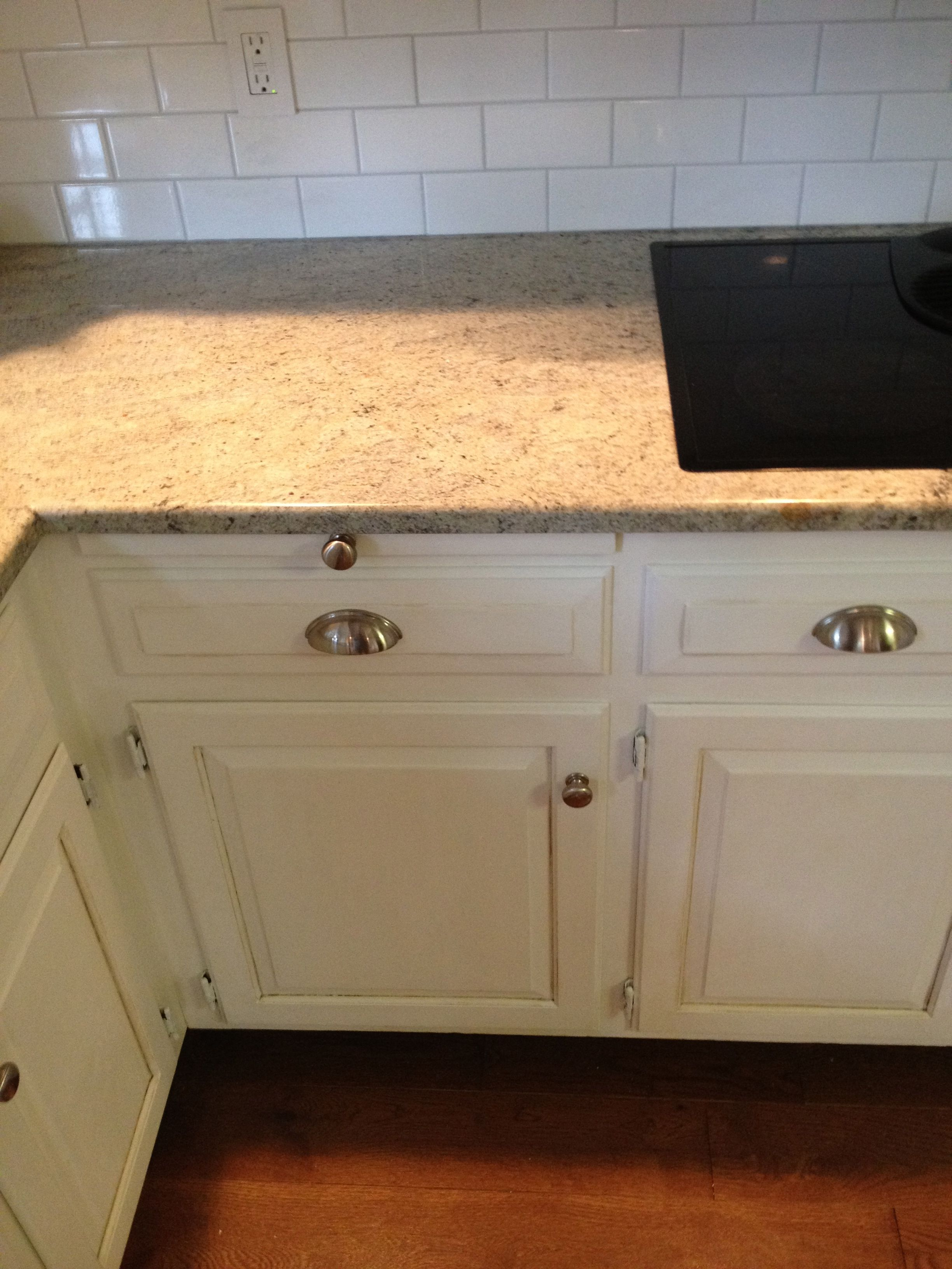 Updated Kitchen Cabinets with Annie Sloan Chalk Paint(tm) | For the ...