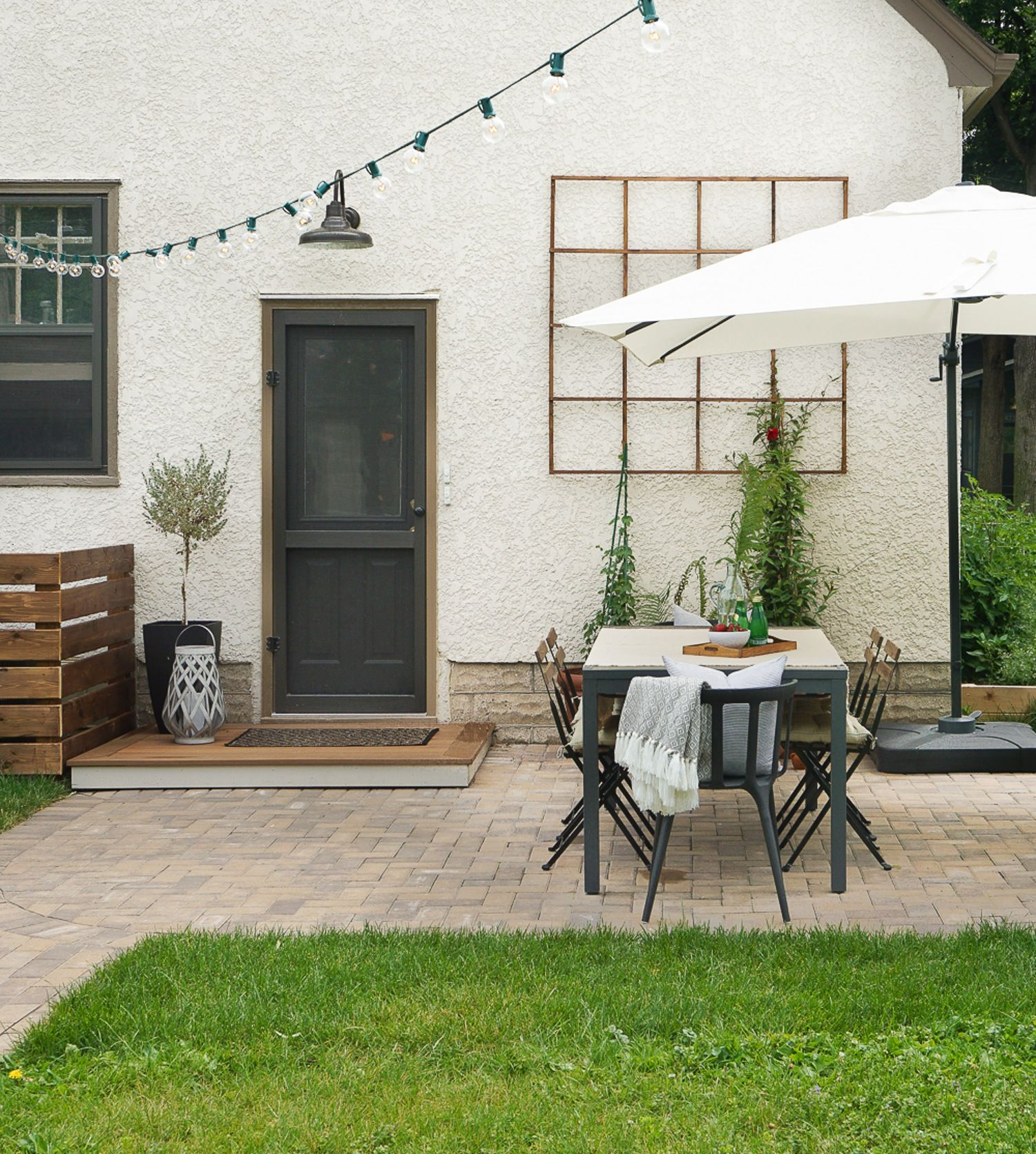 Cheap Apartments Outside Bricks: Doing It Right: How To Lay A Level Brick Paver Patio