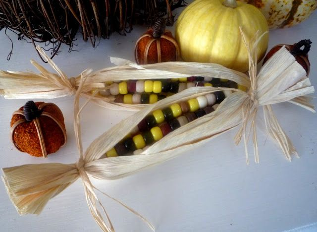 Crafty Sisters: crafts-- Handmade Thanksgiving Indian Corn