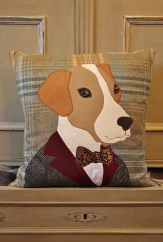 Mr Hound Tweed Cushion (SOLD) Bolsas de fieltro, Cojines