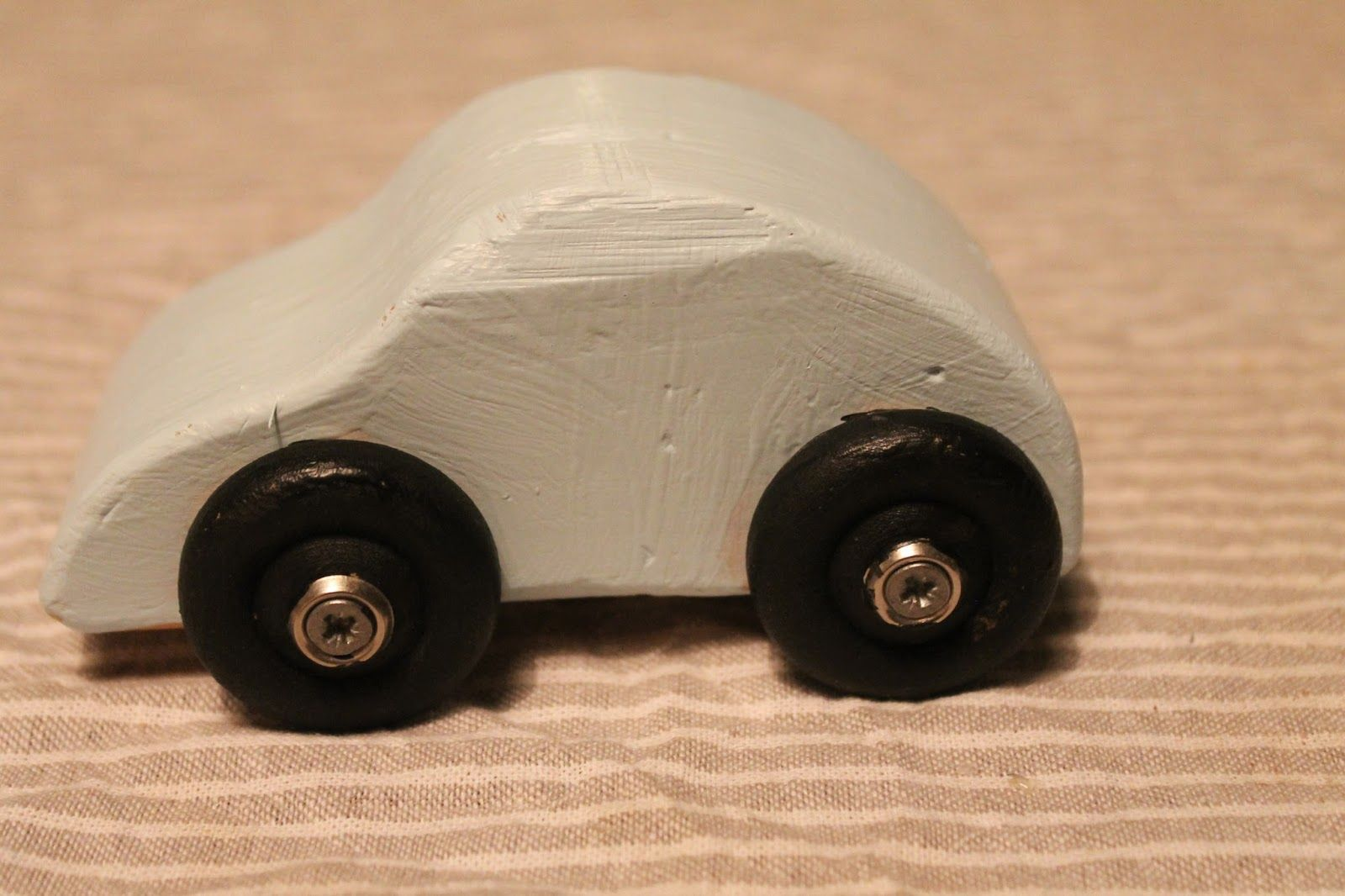 Outi's life Smalla wooden car