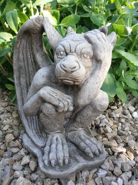 Steinfigur gargoyle mystische gartendeko aus stein torw chter pinterest figur mystisch - Gartendeko aus stein ...