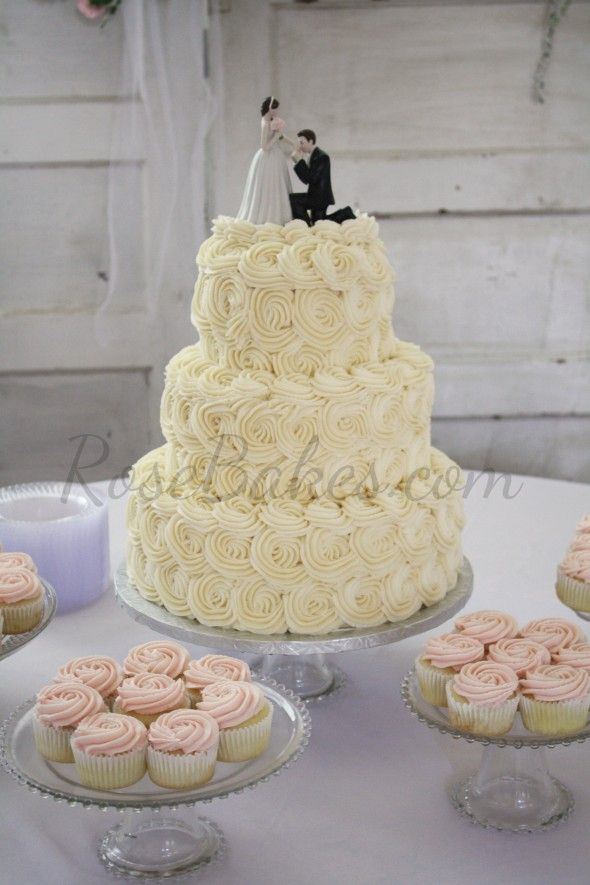 Ercream Roses Wedding Cake And Cupcakes
