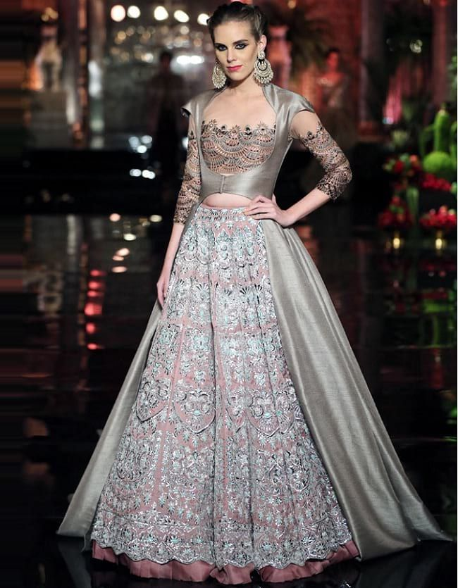 28 Best Manish Malhotra Lehenga Designs That Are Every Bride\'s Dream ...