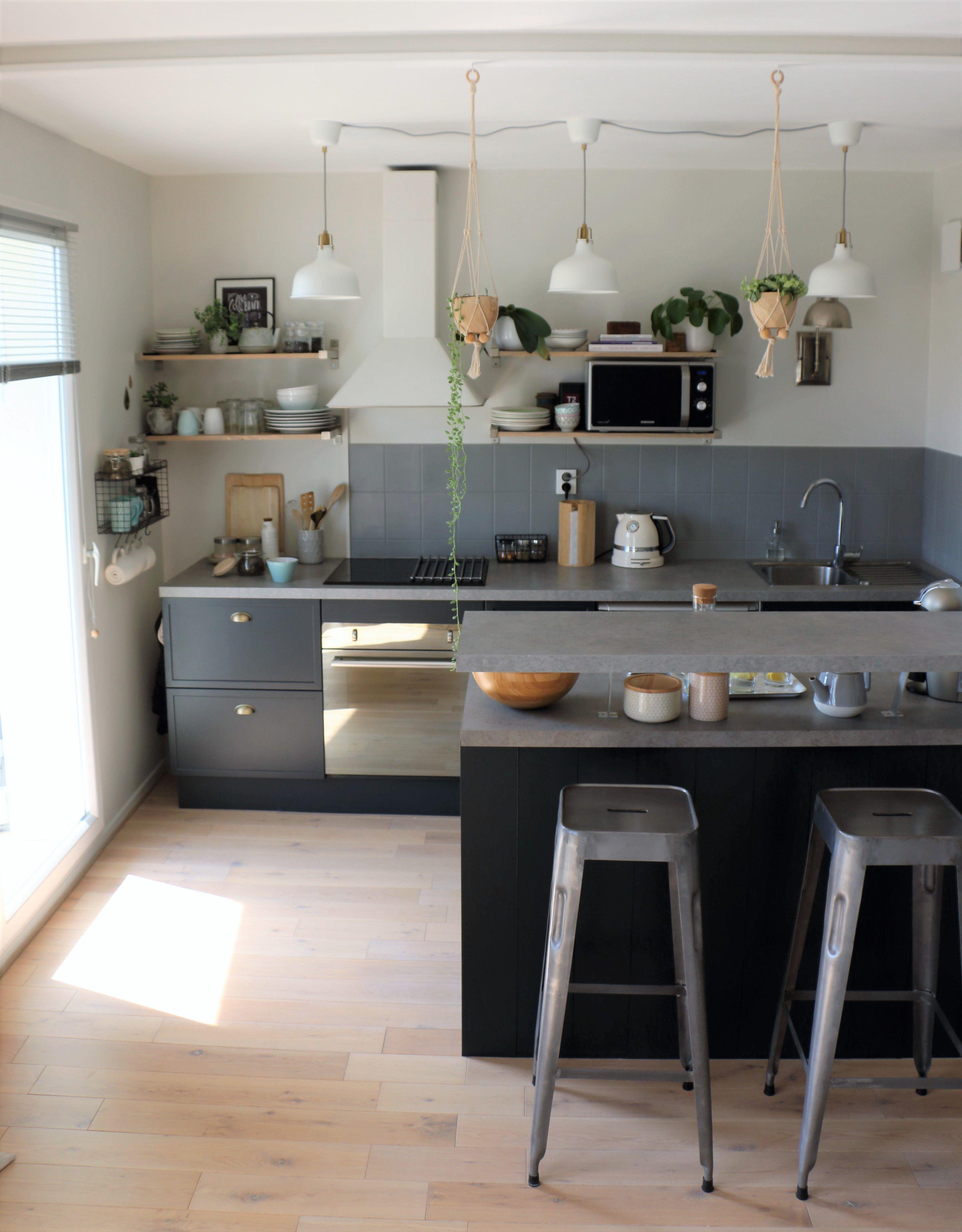 idées décoration cuisine mélange style classique scandinave