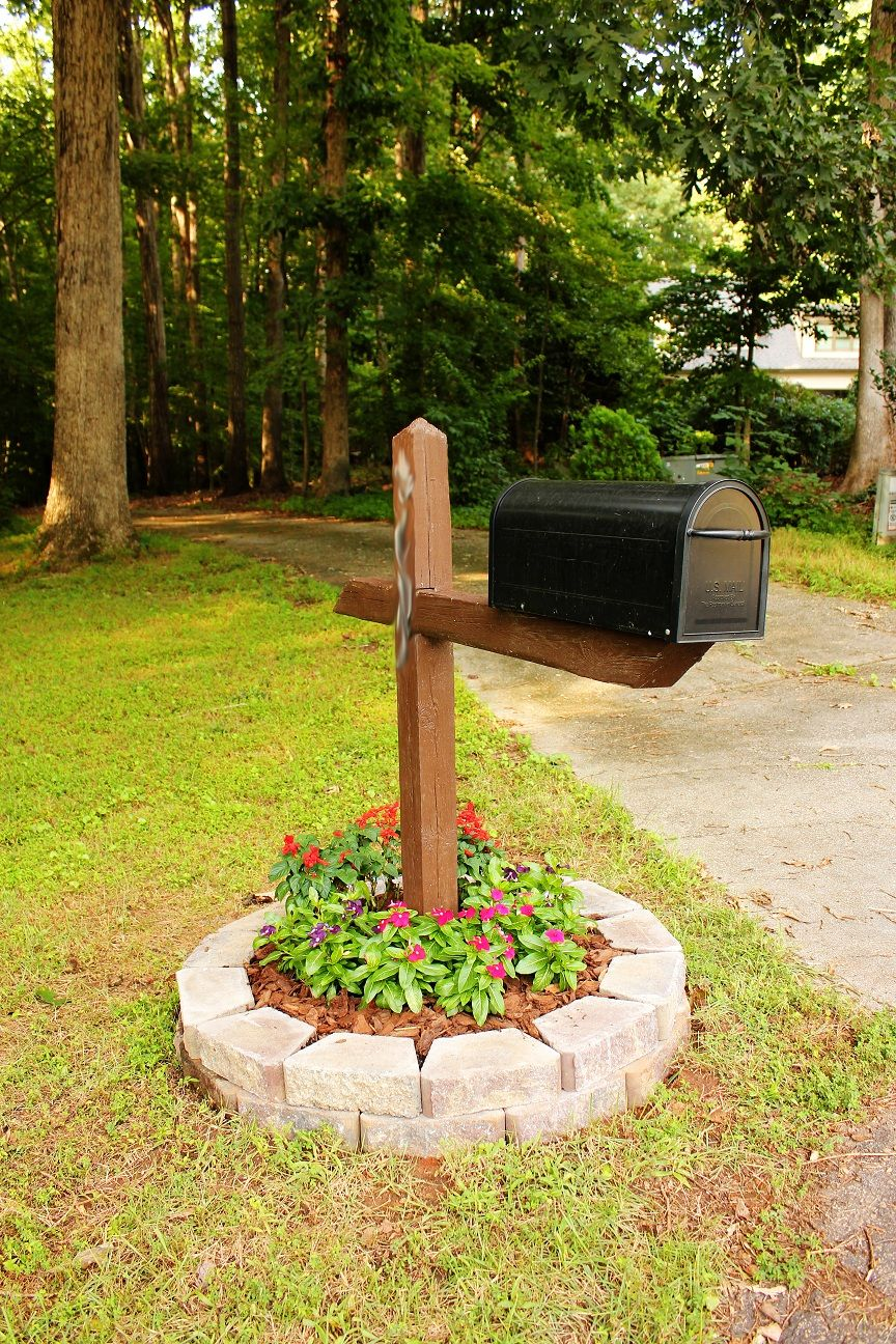 easy mail box landscape | Flowers around Mailbox Ideas | Diy ...