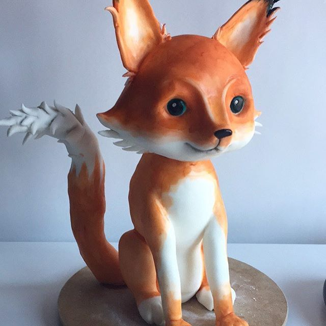 Little bitty foxy! Wanted to make something sweet and soft, so I painted her with water colors...  #cake #foxcake #sweetfox #3dcakes #sculptedcake