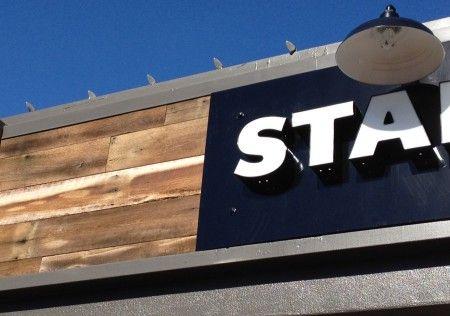blacksfarmwood.com Provadores de madera reciclada para interiores comerciantes y restaurantes. Contratados esclusivamente por Starbucks en California.