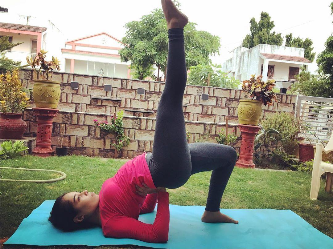 🌸🧘🏻♀️ . . . . . . . . . . . #yoga#fitness#balanceddiet#healthylifestyle#yogaforlife#breath#meditate...