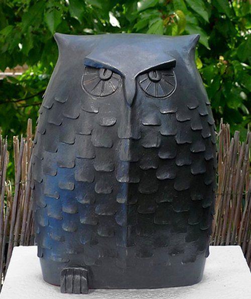 Keramik eule von margit hohenberger gartenfiguren for Gartenfiguren aus keramik