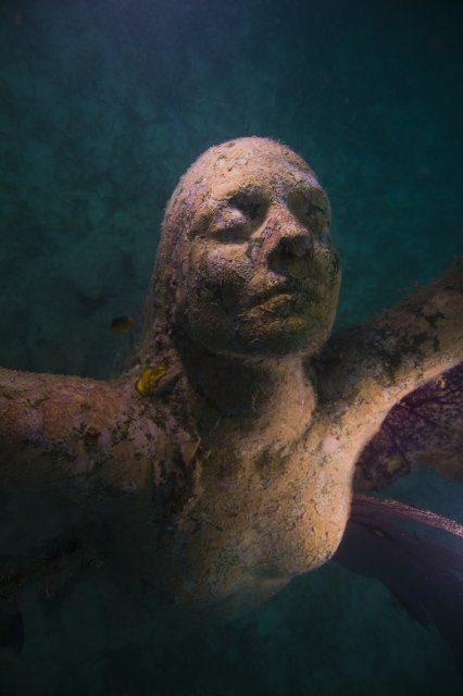 Reclamation Underwater Sculpture By Jason DeCaires Taylor Depth - Europes first ever underwater museum is full of hyperrealistic human sculptures