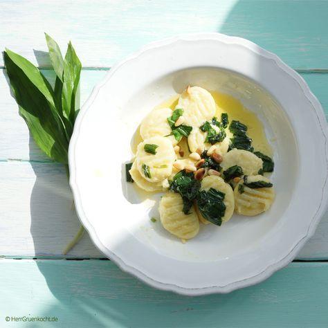 Dieses Gnocchi-Gericht war der Hauptgang meines diesjährigen Ostermenüs. Die Gnocchi sind wunderbar zart und sehr einfach herzustellen. Falls Sie das Gericht