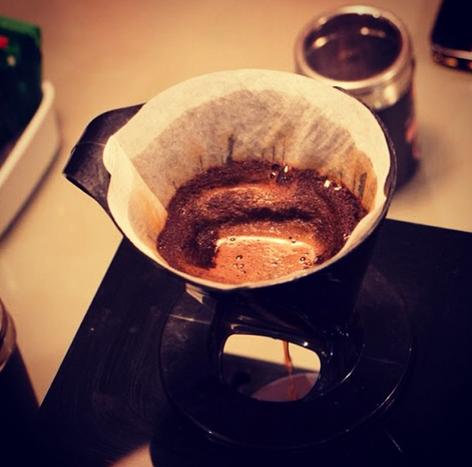 Nada melhor do que o cheirinho de #Melitta passando. #café #comfiltro #coffeetime #coado
