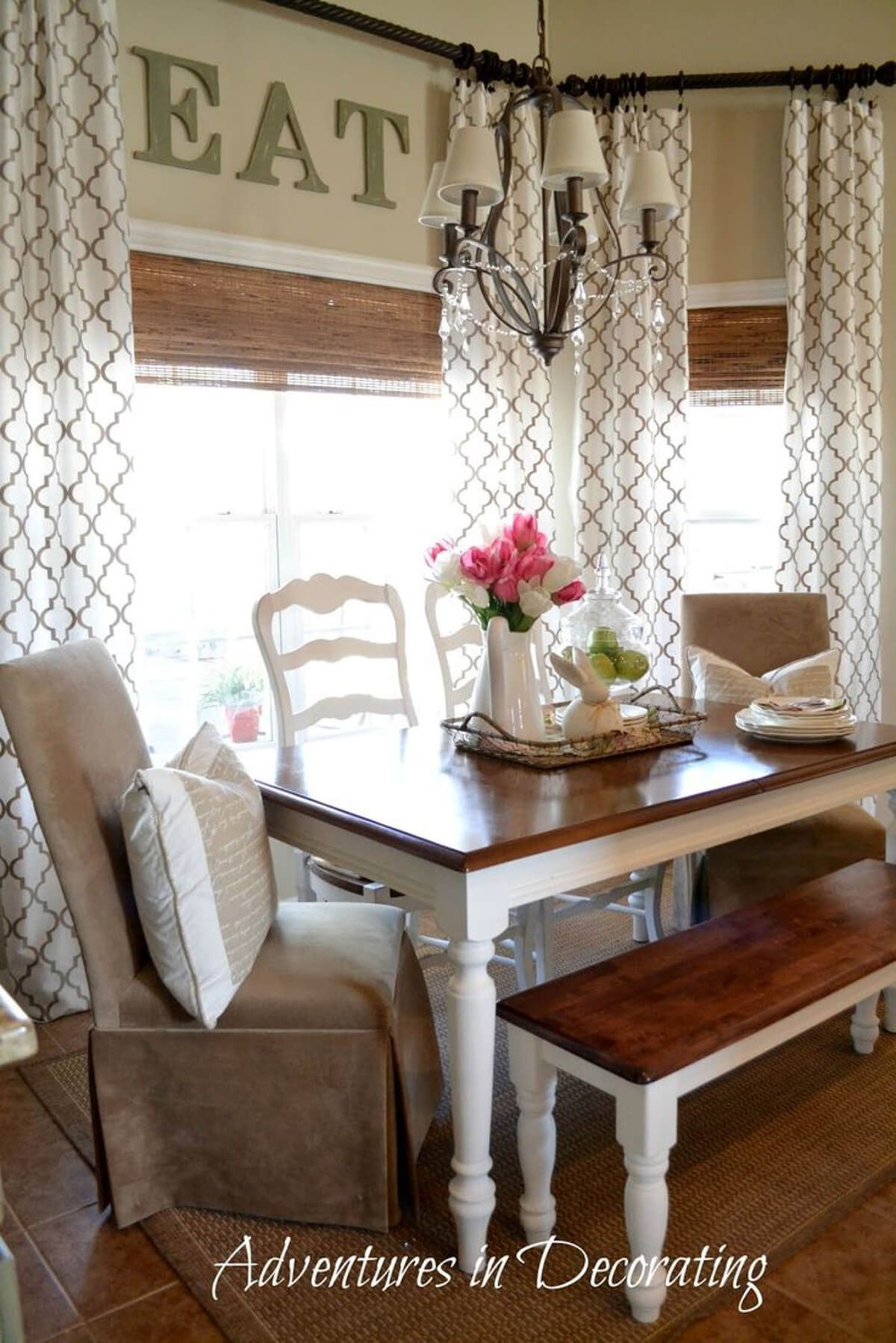 26 Farmhouse Window Treatment Ideas To Bring Old Fashioned Charm To Your Home Farm House Living Room Farmhouse Kitchen Curtains Farmhouse Dining Room