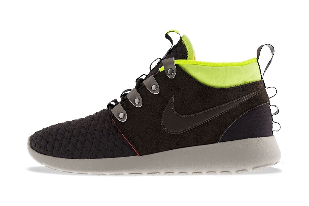 on sale ee81c 821de Nike Roshe Run Mid Winter Newsprint Smoke-Volt-Total Crimson