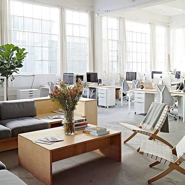 @everlane HQ Has Got It On File, Our TPS White File