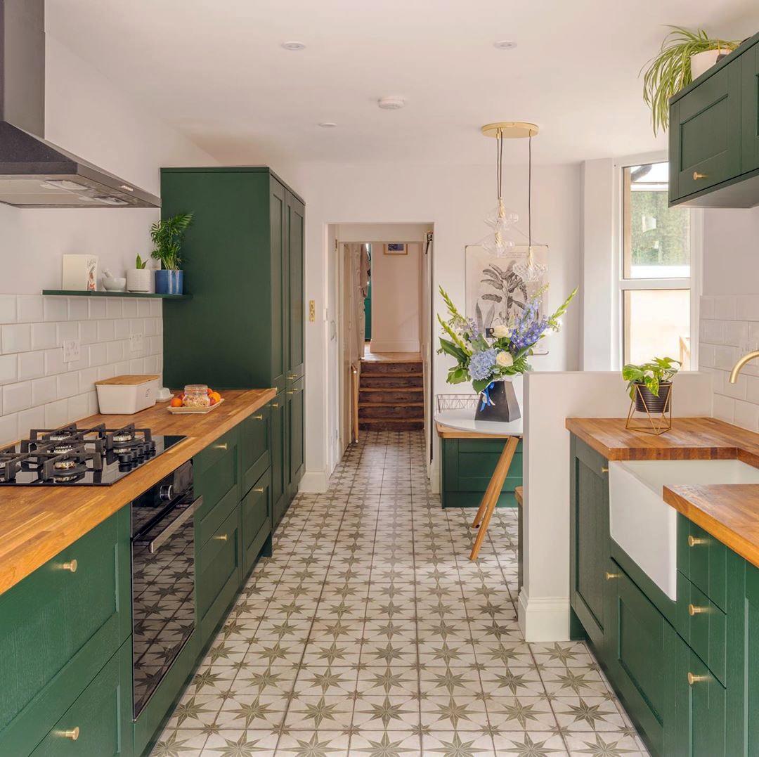 Fairford Dark Green Kitchen