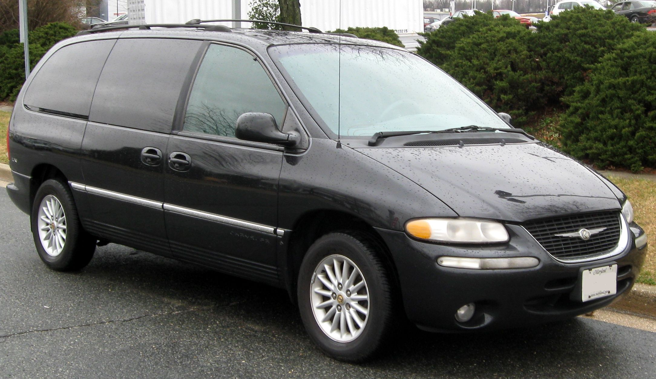 1998 Town Country Minivan With Images Chrysler Town And