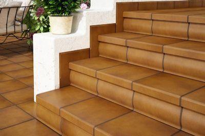 Escalera cer mica de exterior rodamanto pelda o recto for Escaleras baldosas ceramica