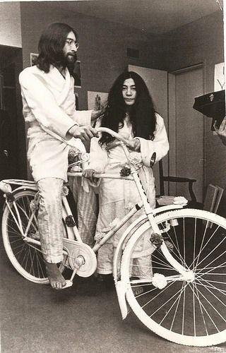 """John Lennon & Yoko Ono i """"Tidlös Personlig Stil""""!"""